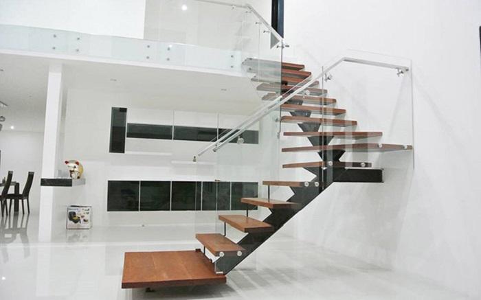 Với lối kiến trúc độc đáo, cầu thang mang đến vẻ đẹp hiện đại cho không gian ngôi nhà