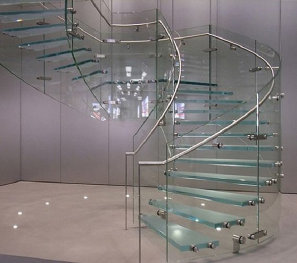 Cầu thang hình xoắn ốc giúp tiết kiệm không gian